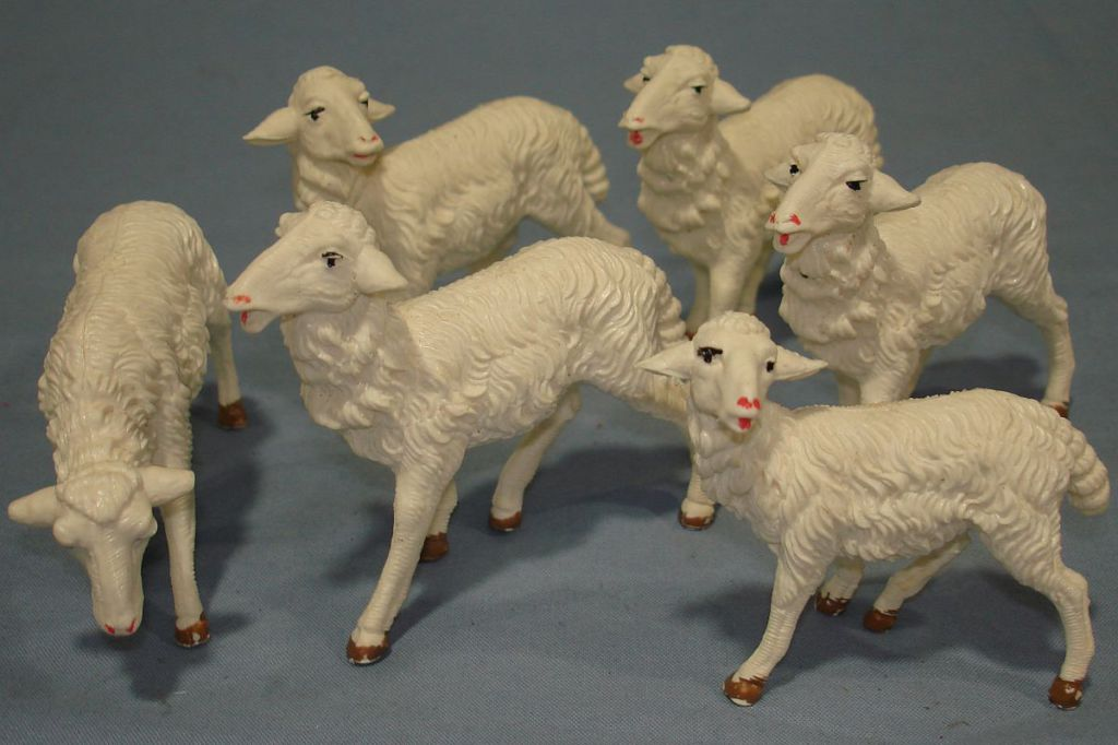 VINTAGE_ITALY_PLASTIC_NATIVITY_SHEEP_VARIOUS_POSES_LOT_SIX_HERD